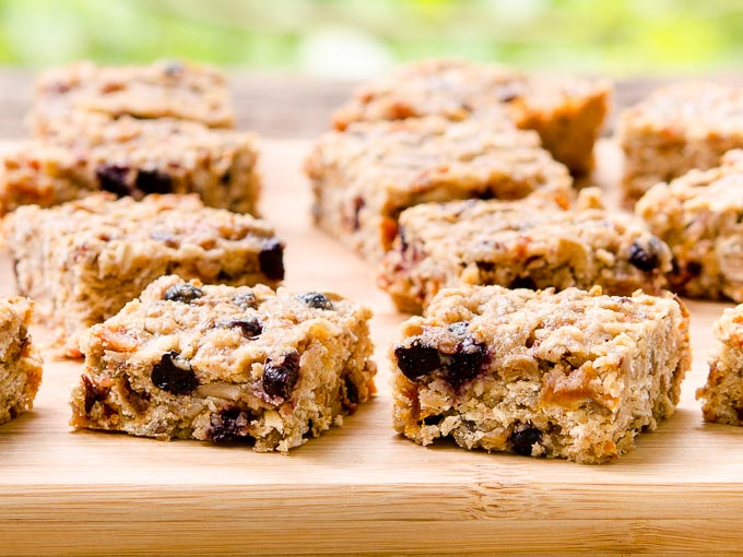 Whole-Grain-Mixed-Fruit-Breakfast-Bars-1H